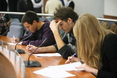 Konstitucijos egzaminas: žinias pasitikrino per 58 tūkst. piliečių