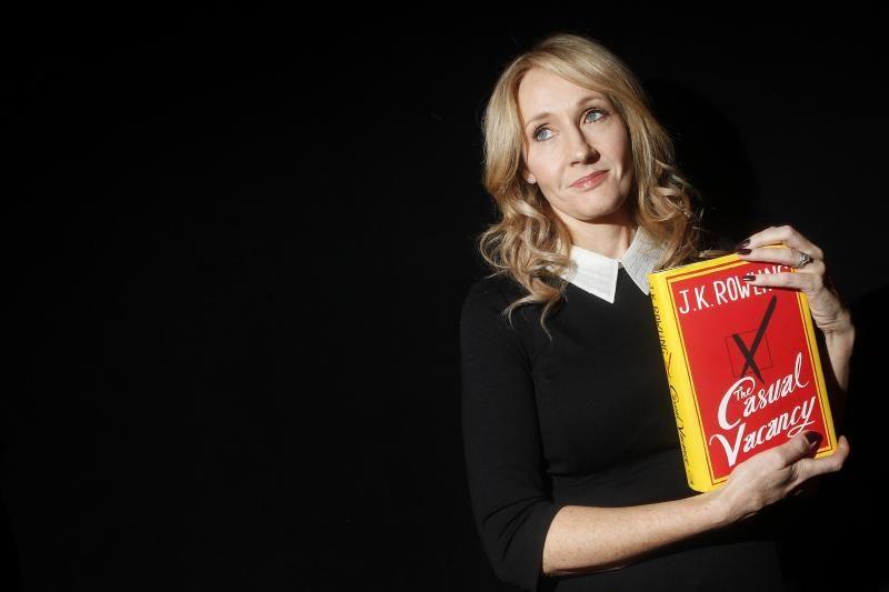 J.K.Rowling romanas suaugusiesiems bus perkeltas į televiziją
