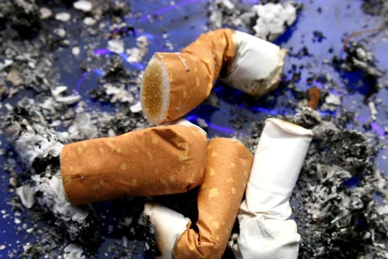Baigta tirti naikinimui skirtas cigaretes grobsčiusių įtariamųjų byla