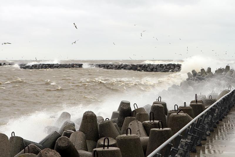 Atsargiai: pajūryje siautės smarkus vėjas