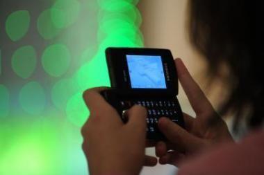 Daugėja skundų dėl nekokybiškų telefonų