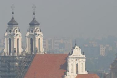 Vilniuje matomas smogas sveikatai kol kas negrasina