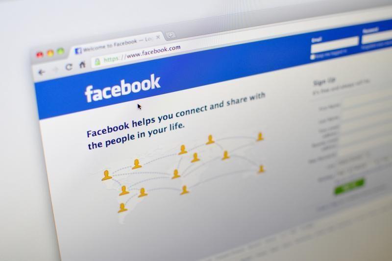 """Kompiuterių įsilaužėliai šėlsta: šį kartą bandyta pakenkti """"Facebook"""