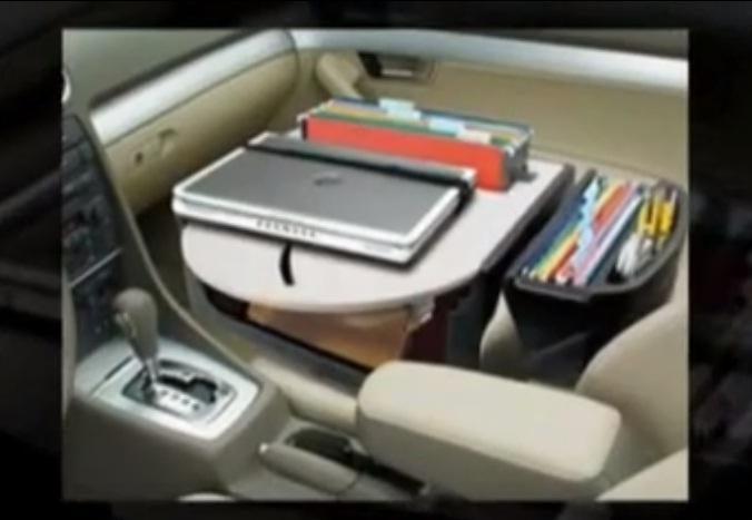 Vairuotojas automobilyje įsirengė mobilų biurą