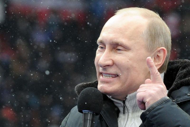 """V.Putinas ragina nesitaikstyti su rusakalbių """"nepiliečių"""" statusu"""