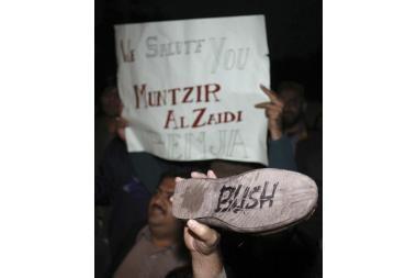 G.Bushą įžeidęs irakietis sulaukė pasiūlymo vesti