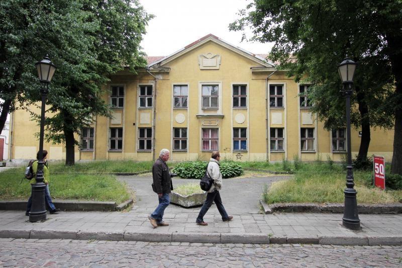 Mokyklos pastatas senamiestyje politikams – galvosūkis