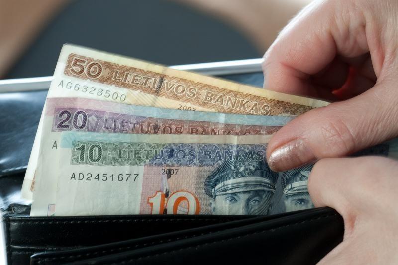 Darbo užmokestis išaugo nuo pusės lito iki 40 litų