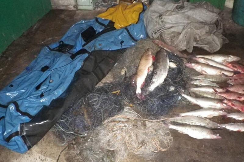 Šilutiškiai įstatymus pažeidinėjantiems žvejams lipa ant kulnų