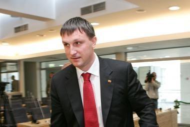 Seimas spręs, ar leisti patraukti A.Sacharuką baudžiamojon atsakomybėn