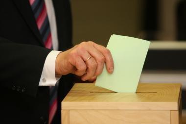 Socialdemokratai ir konservatoriai per Seimo rinkimus gautų beveik po lygiai balsų
