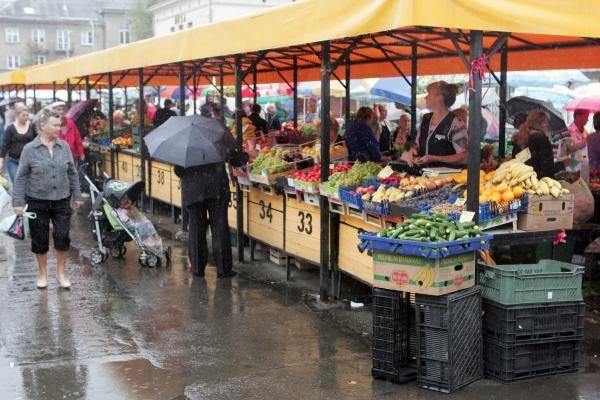 Rugpjūtį labiausiai pigo daržovės, brango drabužiai ir avalynė