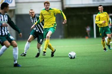 Futbolo A lygoje – pirmos pergalės, lygiosios ir pralaimėjimai