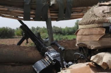 Afganistane mirtininkas atakavo NATO pajėgų konvojų