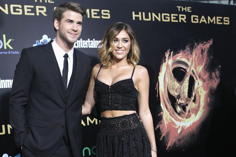 Miley Cyrus susižadėjo su Liamu Hemsworthu