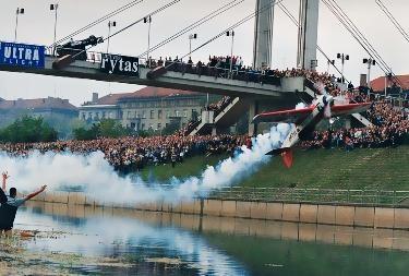 Jurgis Kairys kviečia Rygoje prisiminti skrydžius po tiltais