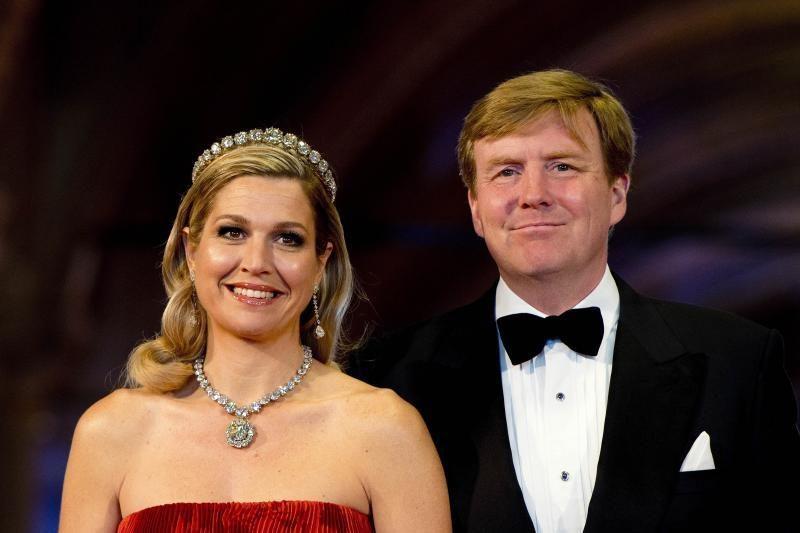 Nyderlandų karalienė Beatrix atsisakė sosto: nuo šiol valdo jos sūnus