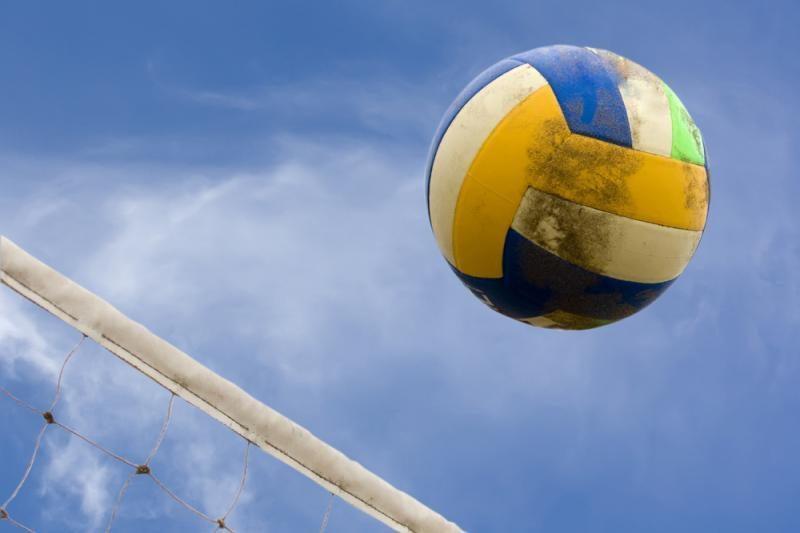 Lietuvės – Europos jaunimo paplūdimio tinklinio pirmenybių pusfinalyje