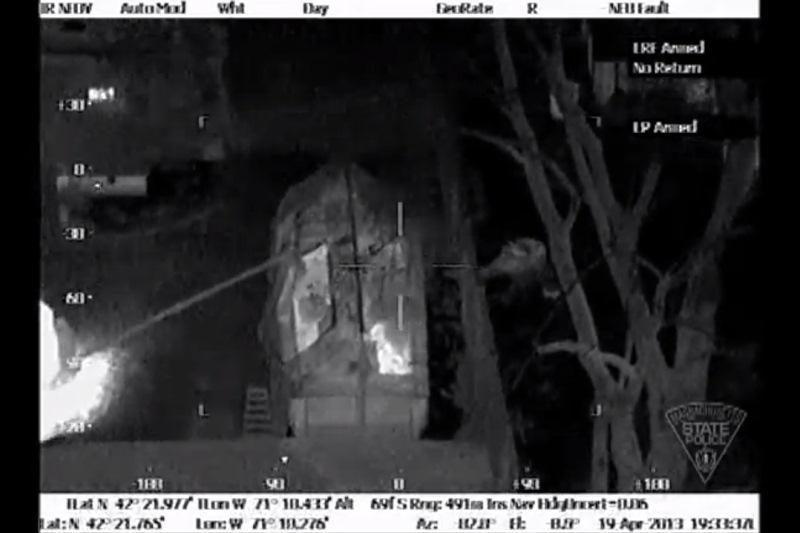 Bostono teroristų gaudynės: unikalūs šilumine kamera filmuoti vaizdai