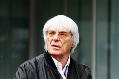 """Londono centre sumuštas ir apiplėštas """"Formulės-1"""" prezidentas B.Ecclestonas"""
