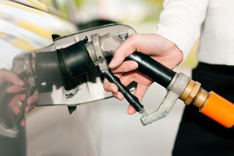 Dėl karščių Australijoje vairuotojai negali įsipilti benzino