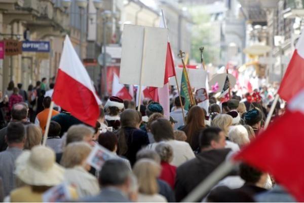 Prezidentė: švietimo srityje tautinės mažumos Lietuvoje ir Lenkijoje turi turėti vienodas teises