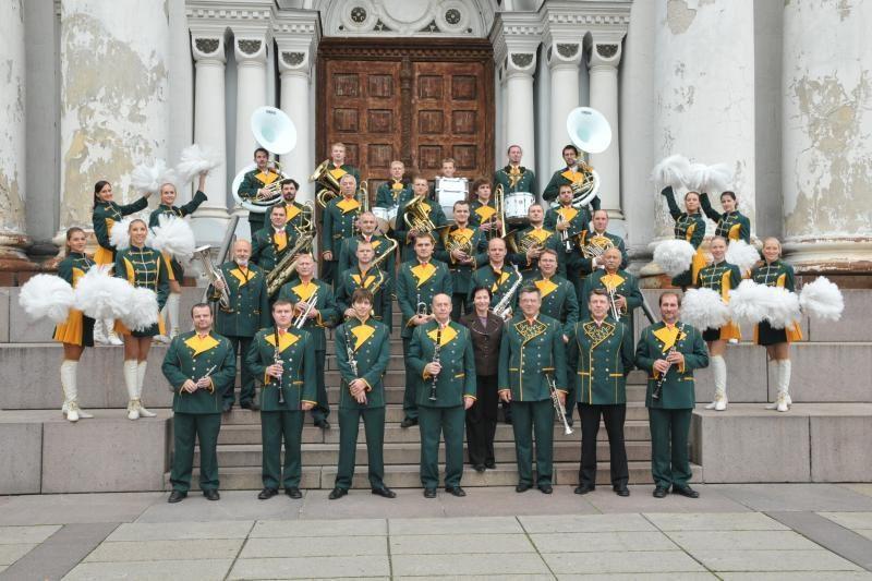 """50-metį švenčiantis orkestras """"Ąžuolynas"""" – tarsi didelė šeima"""