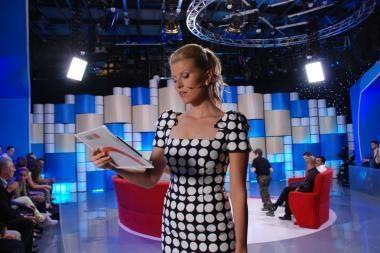 """Įsikarščiavusi A.Maldeikienė trenkė """"Valandos su Rūta"""" studijos durimis"""