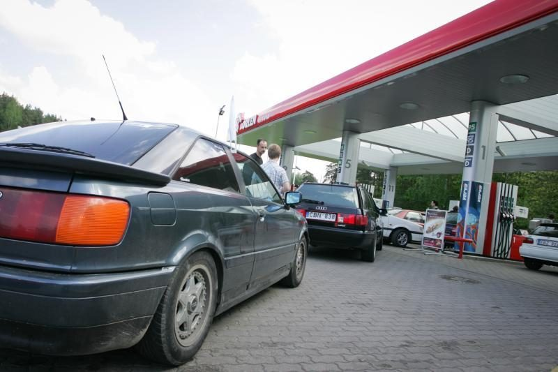 Degalų kainos skatina vairuotojus mažinti maršrutų skaičių