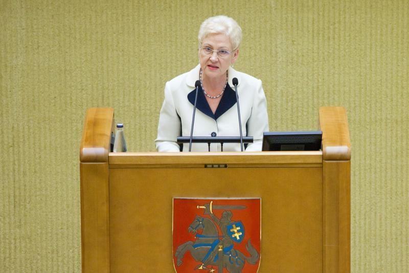 Seimo pirmininkė nemato prasmės darkart prašyti pakeisti K.Komskį
