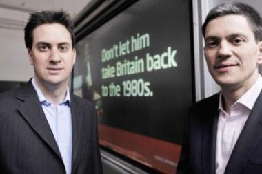 Britanijoje dėl leiboristų lyderio posto ietis surėmė du broliai