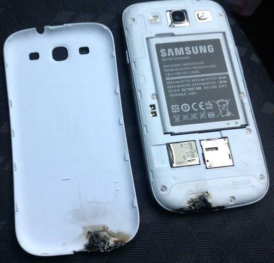 """""""Samsung Galaxy S III"""" užsidegė ir išlydė savo korpusą"""
