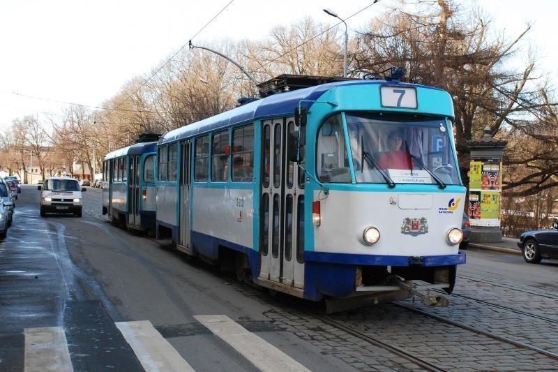 Nemokamai važinėjančių viešuoju transportu Estijoje – daugiau