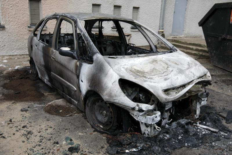 Tauragės rajone užsiliepsnojo automobilis