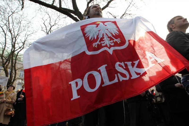 Dauguma Lenkijos žmonių nepritaria euro įvedimui