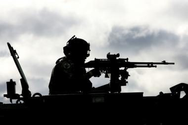 Rytų Afganistane policininku apsimetęs asmuo nušovė šešis NATO karius