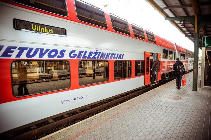 Daugėja keliaujančiųjų Lietuvos geležinkeliais