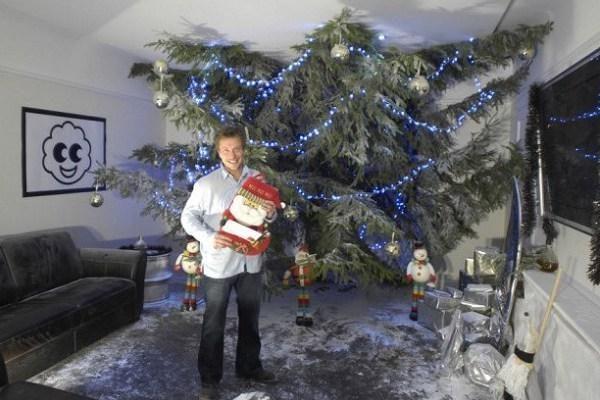 Brito namuose – gigantiška Kalėdų eglutė