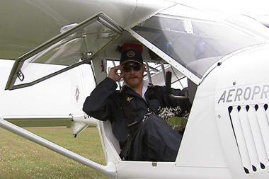 Aktorius A.Paulavičius pas savo partnerę atskrido lėktuvu