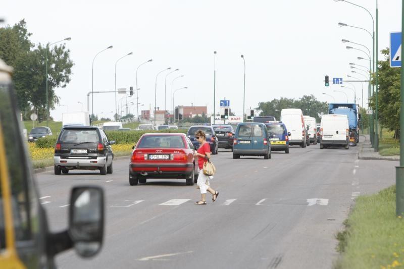 Džiugi žinia vairuotojams: Šilutės plentu galės važiuoti greičiau