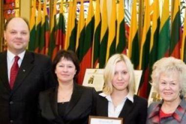 Apdovanoti geriausiai lietuvių kalbos žinovai