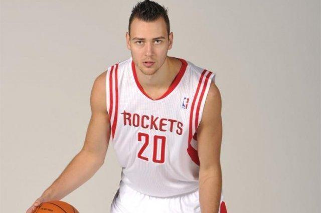 """D. Motiejūnas žaidė pusantros minutės, """"Rockets""""  neprilygo """"Spurs"""