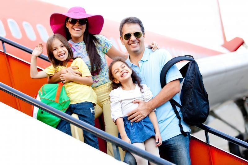 Kelionės su vaikais vargina (patarimai, kaip joms pasiruošti)