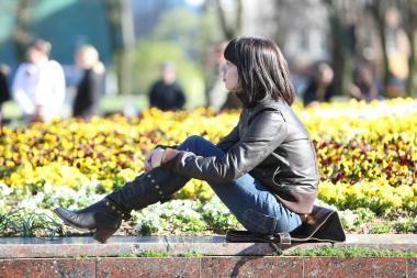 Darbo rinka atsigauna, bet jaunų specialistų nelaukia