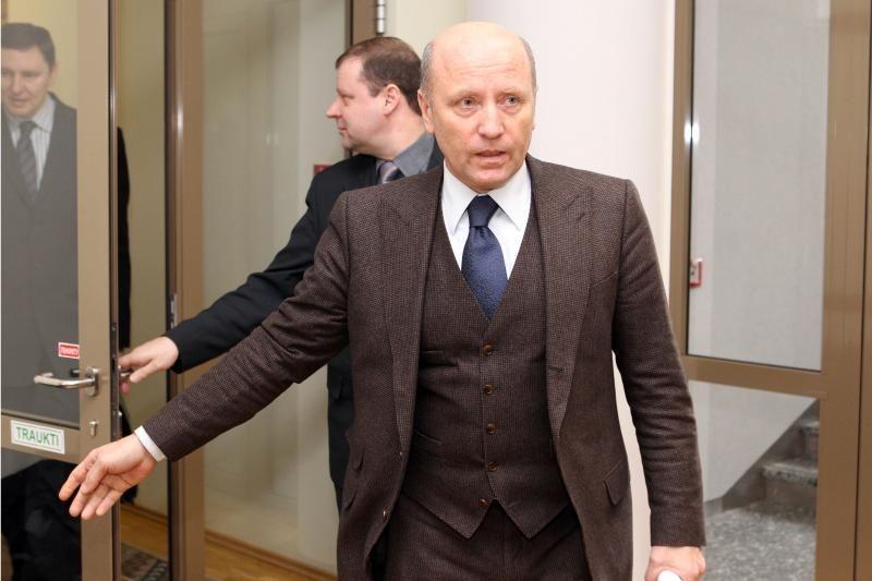 """R.Palaičio prašymu areštuota laikraščio """"Palangos tiltas"""" sąskaita"""