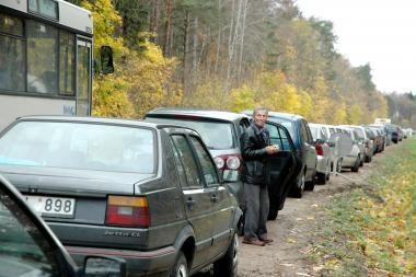 Visų Šventųjų dieną daugiau autobusų ir eismo apribojimai