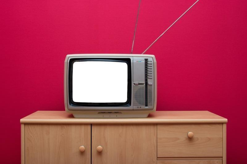 """""""LG"""" gamins didžiausius pasaulyje """"OLED"""" televizorius"""