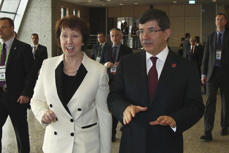 """ES diplomatijos vadovę Ashton """"sukrėtė"""" kankinimai Gruzijos kalėjime"""