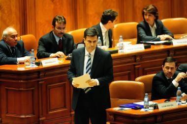 Rumunijoje tęsiasi politinė suirutė - parlamentas nepritarė premjero kandidatūrai