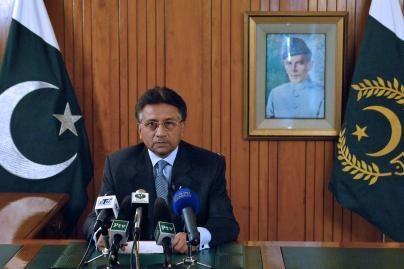 Atsistatydino Pakistano prezidentas